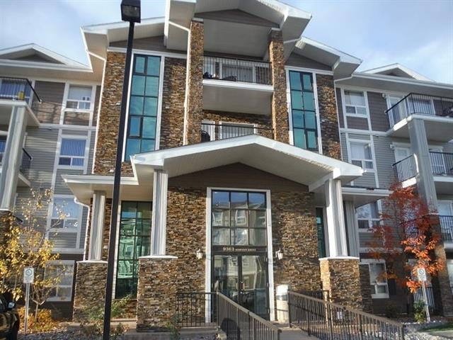 This 2 Bedroom, 2 bathroom corner unit is perfectly situated in the heart of prestigious Terwillegar. This unit is conveniently located on the second floor with bright and spacious kitchen. Enjoy the convenience of in suite laundry & 1 titled parking stall. This building is within walking distance to schools, shopping, restaurants & just minutes off the Anthony Henday. This is a great investment opportunity or perfect for a first time home buyer.