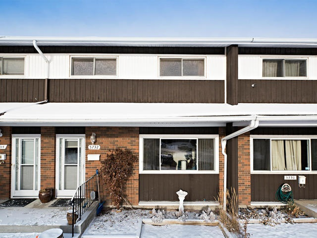 """ARE YOU READY TO DO SOME """"HOME WORK?"""" This fabulous town home is on a quiet street at the back of Brentwood Village Complex.  The complex itself is in a great location within minutes to Londonderry Mall, schools, transit, plus future spray park & York Community Center.  You can save some of your upgrade money on what has already been done - newer windows, new screen & main doors, newer appliances (except stove), newer hot water tank (3 yrs), newer flooring in the 1.5 bathrooms and some fixtures in the bathrooms.  Excellent floor plan with large living area & eat in kitchen.  Three spacious bedrooms up.  The basement is unspoiled.  The yard is fully fenced with patio area & backs onto green space.  Parking is steps out the door plus ample street parking.  Condo association pays back to the owner of this unit utility costs amounting to 1.5 months worth of condo fees for electrical service to street lamp. TLC PLUS A FEW MINOR REPAIRS IS ALL THAT IS NEEDED TO MAKE THIS EXCELLENT HOME SPARKLE AGAIN!"""