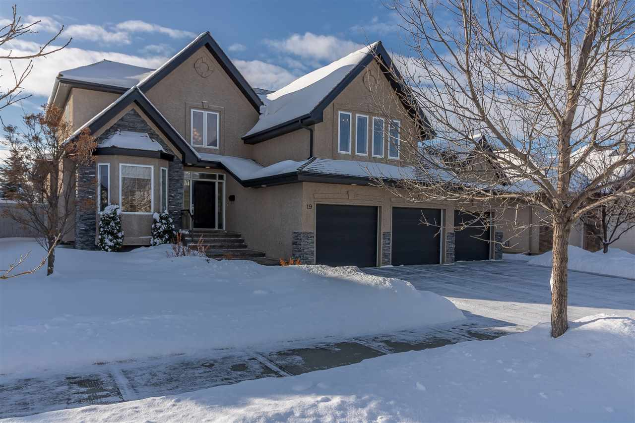 Welcome home to this 2,800sqft, 5-bed/3.5-bath, 2-storey in Kingswood. Offering 4,136sqft of living space this exquisite home features soaring ceilings, a sweeping staircase, hardwood and tile flooring, central A/C, tons of windows, a SW facing back yard, a 3-car garage, and a breath-taking grand entrance! The main level is open-concept w/a gourmet kitchen: maple cabinets, granite counters, double wall oven, warming drawer, corner pantry, and a large island w/prep sink. The dining nook overlooks the beautifully landscaped yard & covered deck. The massive living room has an impressive stone feature fireplace. There?s an office (or formal dining) and a 2pce powder room. Upstairs is a bonus room w/vaulted ceilings and corner fireplace. The master offers a 6-pce ensuite bath: jetted tub, glass shower, granite counters and double vanity. There are 2 addt?l bedrooms. The basement is fully developed w/2 more bedrooms, a large family room w/wet bar and fireplace, and a 3pce bath. A genuine must see! Come home!