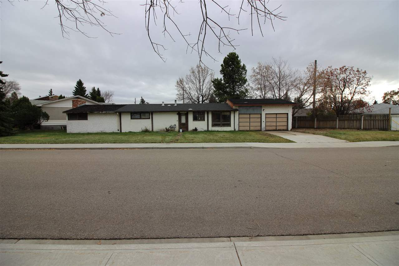 Great Fulton Place opportunity on this big bungalow on a large 685 sq met corner lot across from a huge park. Excellent re-developement property that is well located.
