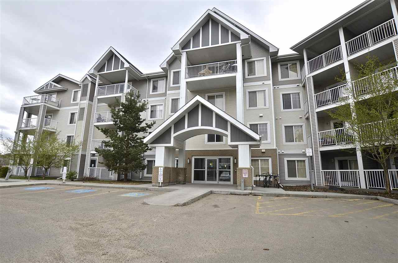 Welcome to this 1 bedroom + DEN, 1 full bath main floor condo located in the community of Larkspur. This main floor unit features a good sized kitchen with raised eating bar top, living and dinning area, Black appliances, In suite laundry and a large master bedroom with walk in closet. Located close to all major amenities, schools, shopping and public transportation.