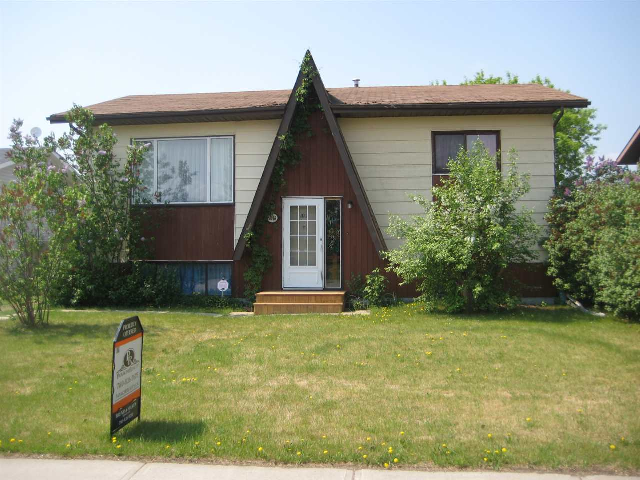 Great beginnings start here.  Excellent starter/ retirement home situated in the quaint village of Fort Kent.  3 bedrooms, 2 bathrooms. Lower level is partially developed with a familyroom, bathroom, and bedroom. Original owner, Very well maintained and clean.