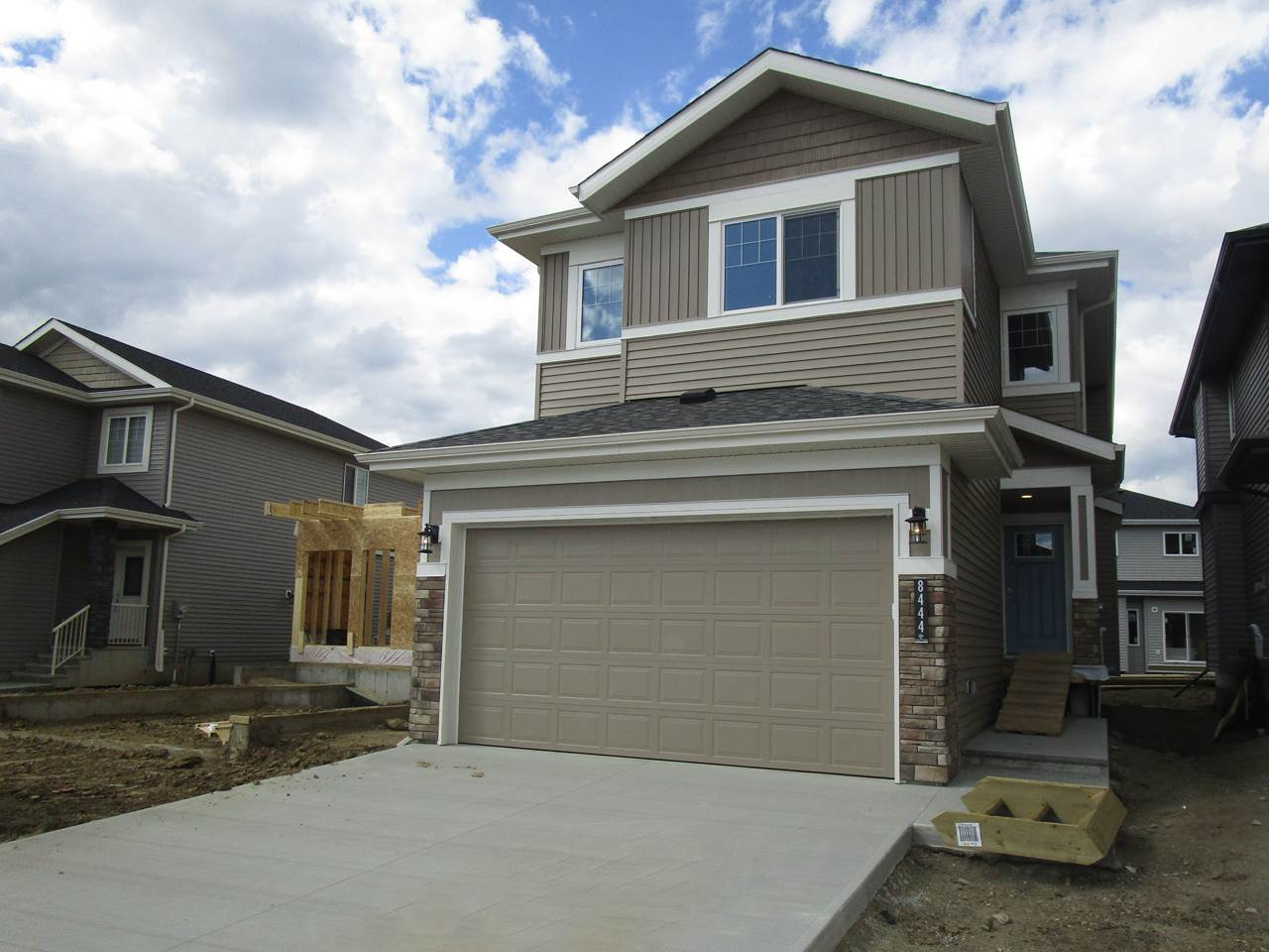 Showhome quality in Creekwood Chappelle - Once of Edmonton's hottest new areas! Why should you make this home yours? (1) HIGH END FINISHES - hardwood/tile/quartz/custom finishings/large windows/9 foot ceilings to name a few (2) ATTENTION TO DETAIL - Mill Street Homes is known for quality in every step of the building process (3) LAYOUT - This home is super functional & doesn't waste a square foot! (4) KITCHEN - Tons of cabinetry, pot & pan drawers, eat up bar, walk-in pantry (5) NEIGHBORHOOD SCHOOL - Your kids can come home for lunch from Donald R Getty just two blocks away (6) BONUS ROOM - do you need an office or a toy room? This home has that option with the second floor loft area (7) BRIGHT & BEAUTIFUL - Tons of large windows make this home open & Airy (8) UPSTAIRS LAUNDRY - Includes storage & cabinetry! (9) INCLUDED DECK - one less thing for you to do! (9) COMMUNITY - a fantastic community building, hockey rink, active community league with lots of events for the family, and more! Don't miss it!