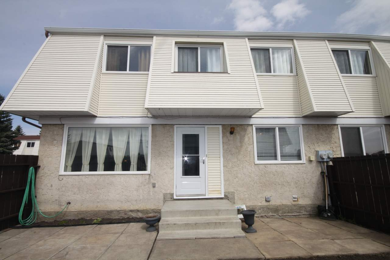 Marvelous in Meadow Wood Village!  This 1169 sq ft two storey condominium in the community of Morinville is your perfect segue into home-ownership!!  It features a nice open concept with three bedrooms and two bathrooms. Neutral colors.   Includes appliances.  Assigned stalls for parking just adjacent to the unit.  Priced to sell quickly!