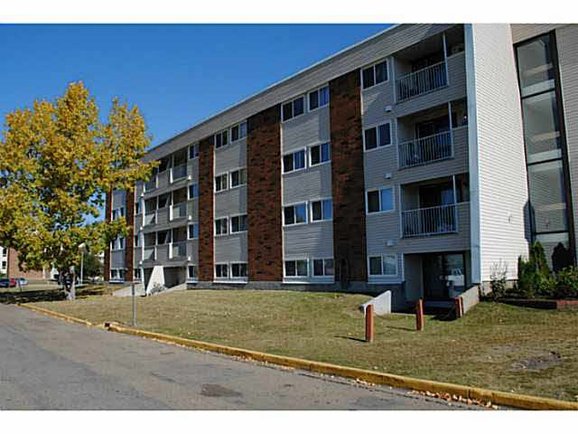 2 Bedroom, second floor apartment in Fairway South. South facing balcony.