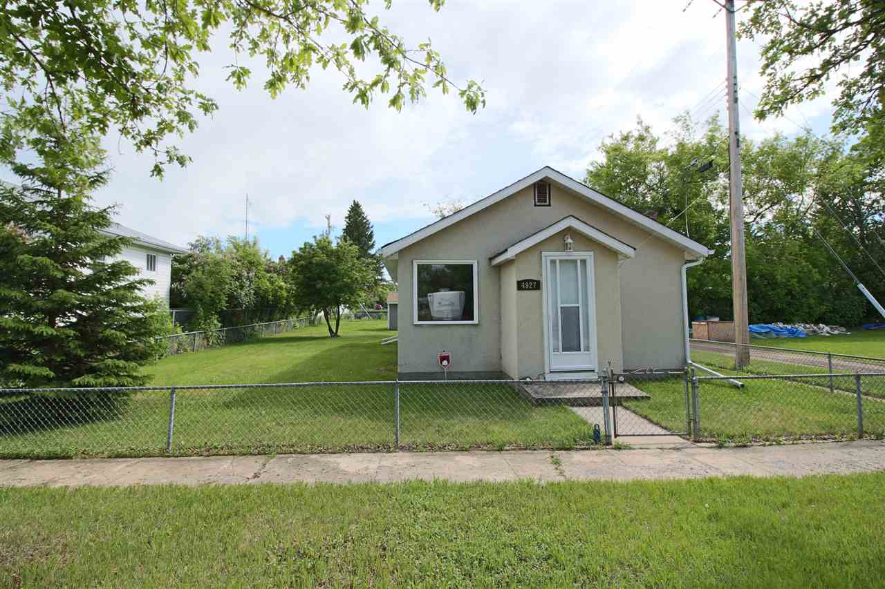Very well maintained 670sq ft 1 bedroom, 1 bathroom home in Bruderheim with single detached garage and new 8x10 shed, sits on a Large 6250 sg ft Commercial Lot in Bruderheim. This home has many upgrades including NEW Hot Water Tank (2018), Newer Furnace, New 8x10 Shed (2016), New Shingles on Home and Garage, New sofits, facia and eavestroughs, New windows and doors, Newer washer & Dryer (2010), Newer Fridge (2011), New Gas Stove (2011) and renovated bathroom. This is a large lot with back lane and side lane access. Also includes Snowblower and Lawnmower in the shed!
