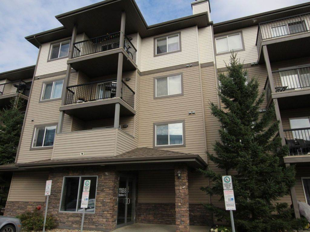 The best layout in the building and backing on to the north saskatchewan River. This unit is immaculate and shows serious pride of ownership. 2 Large bedrooms and an open concept design. The kitchen has a large island and eating bar, other features of this home include walk through closet, ensuite bathroom, Ensuite washer and dryer and a massive deck!