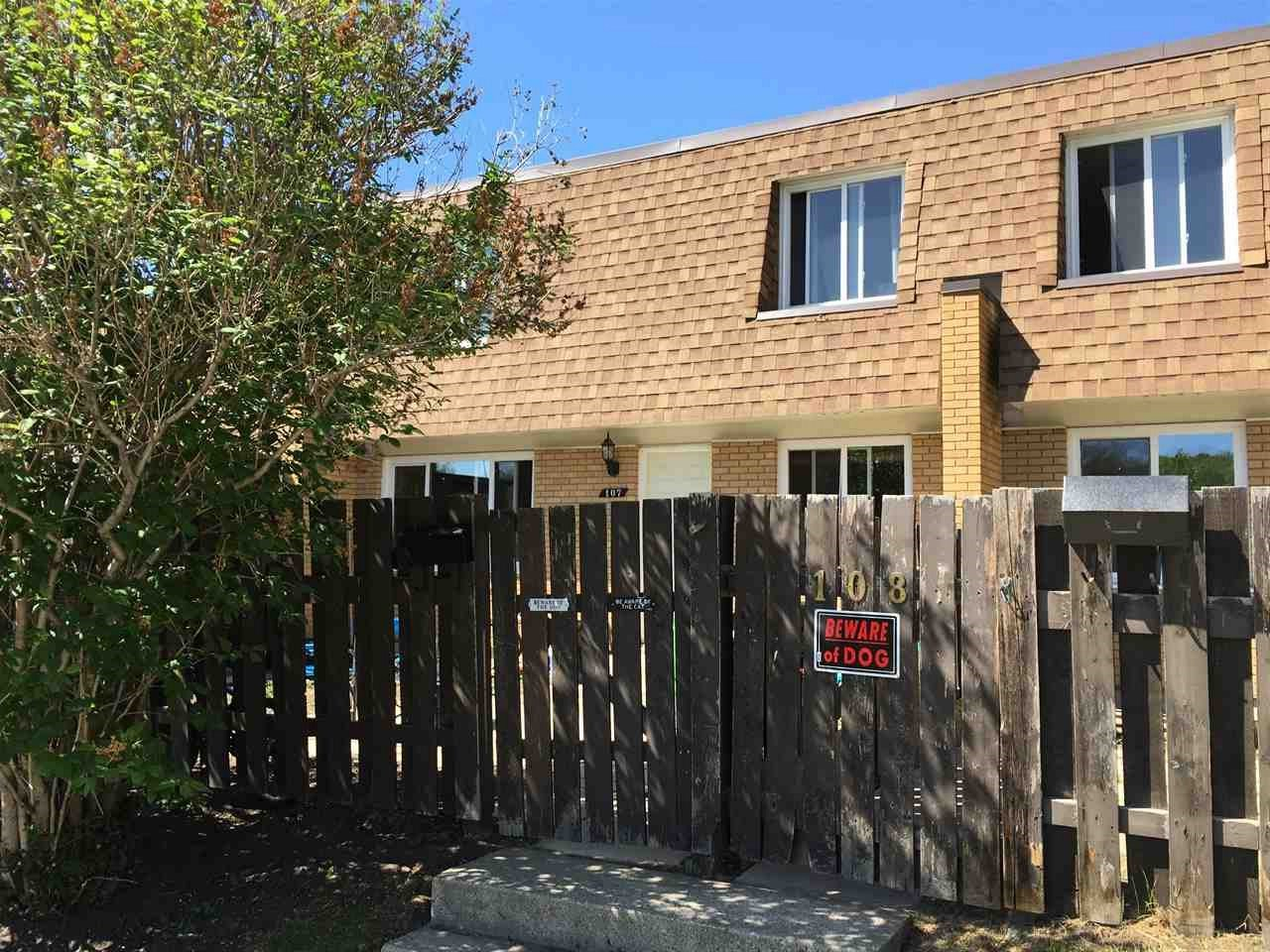 Don't Miss This Fully Renovated 2 Bedroom, 2 Bathroom Townhome Featuring Upgraded Kitchen, Bathrooms, Doors & Light Fixtures Hardwood & Ceramic Tile Flooring. The Two Bedrooms Are Very Spacious & The Living Room & Eat In Kitchen Are A Good Size As Well. Perfectly Located Close To All Amenities Including Schools, Shopping & Public Transportation. All Appliances Are Included. Nothing To Do Here, Just Move Right In!!