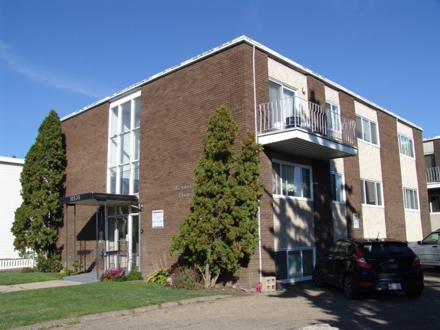 GREAT VALUE!! This spacious 2-bedroom condo is conveniently located on 124 street in the community of Inglewood. Large bright living room, nice sized dining area, galley style kitchen, TWO nice sized bedrooms and a functional 4pc bathroom. Ideal location with easy access to NAIT, Kingsway Garden Mall, Downtown, newly built Roger's Place, 104st farmer's market on Saturdays, myriad of restaurants on 124th street and easy access to Public Transportation.