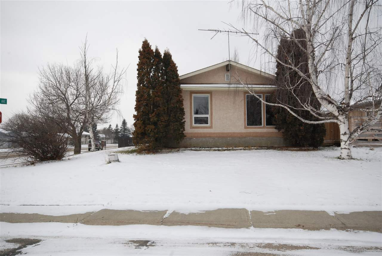 Investors and First time buyers. Build sweat equity in this 3+2 bedroom  bungalow centrally located in Stony Plain fully developed basement, fenced yard and double garage. Close to schools, parks & walkways. Home needs some tlc but has great potential ,value priced value packed. There is even a kitchen suite downstairs. 2 bedrooms and bath. Oversize double garage a lots of parking.