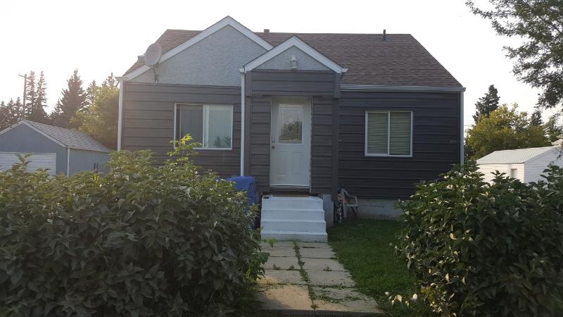 FULLY FINISHED AND READY FOR A NEW OWNER!!!! This cute bungalow has had so many upgrades over the years. Open concept for the kitchen/living and dining room areas. Hardwood and laminate flooring. Fully finished basement with 100 amp panel, new siding, shingles, and the list goes on. Large fenced in backyard with garage/shed and back lane access. Located in the quiet community of Willingdon. A great starter home (cheaper than rent) or a home to retire in.