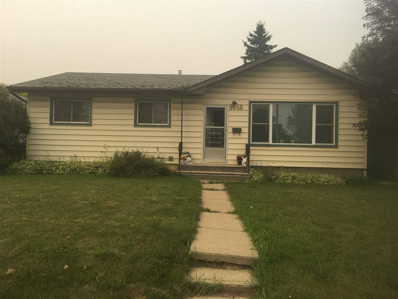 Great family home with oversized double garage. Close to all levels of schools, WEM and bus terminal to downtown and University. Perfect starter home or rental. Huge 50x150 lot!