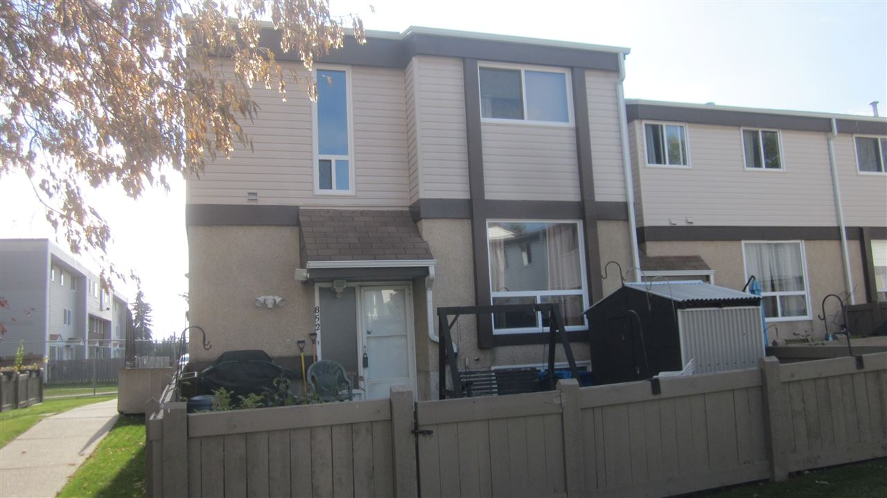 """IDEAL FIRST TIME BUYER HOME / INVESTOR. 1030 sqft., THREE BEDROOMS, ONE AND A HALF BATHROOMS, TWO STOREY TOWNHOUSE, IN WELL MAINTAINED WESTEND CONDO COMPLEX.( OWNER CONTROLED CONDO ASSOCIATION), GOOD CONDITION. QUICK POSSESSION. WALK TO """"THE MALL"""", / BUS TERMINAL, SCHOOLS / PARKS. EASY ACCESS TO THE WHITEMUD / A. HENDAY. UPGRADED FURNACE / HOT WATER TANK. NEWER VINYL WINDOWS / ASPHALT SHINGLES."""