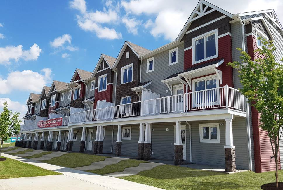 Maple Way Gardens is a 47 home development in Maple Crest. Located in a growing community of Maple Crest, these efficient three bedroom layouts deliver 1,408 sq ft. Each home has a double attached garage and a generous balcony. The interior offers superior finishings in two, buyer's choice, neutral color schemes. The open layout maximizes space and stainless appliances are included.