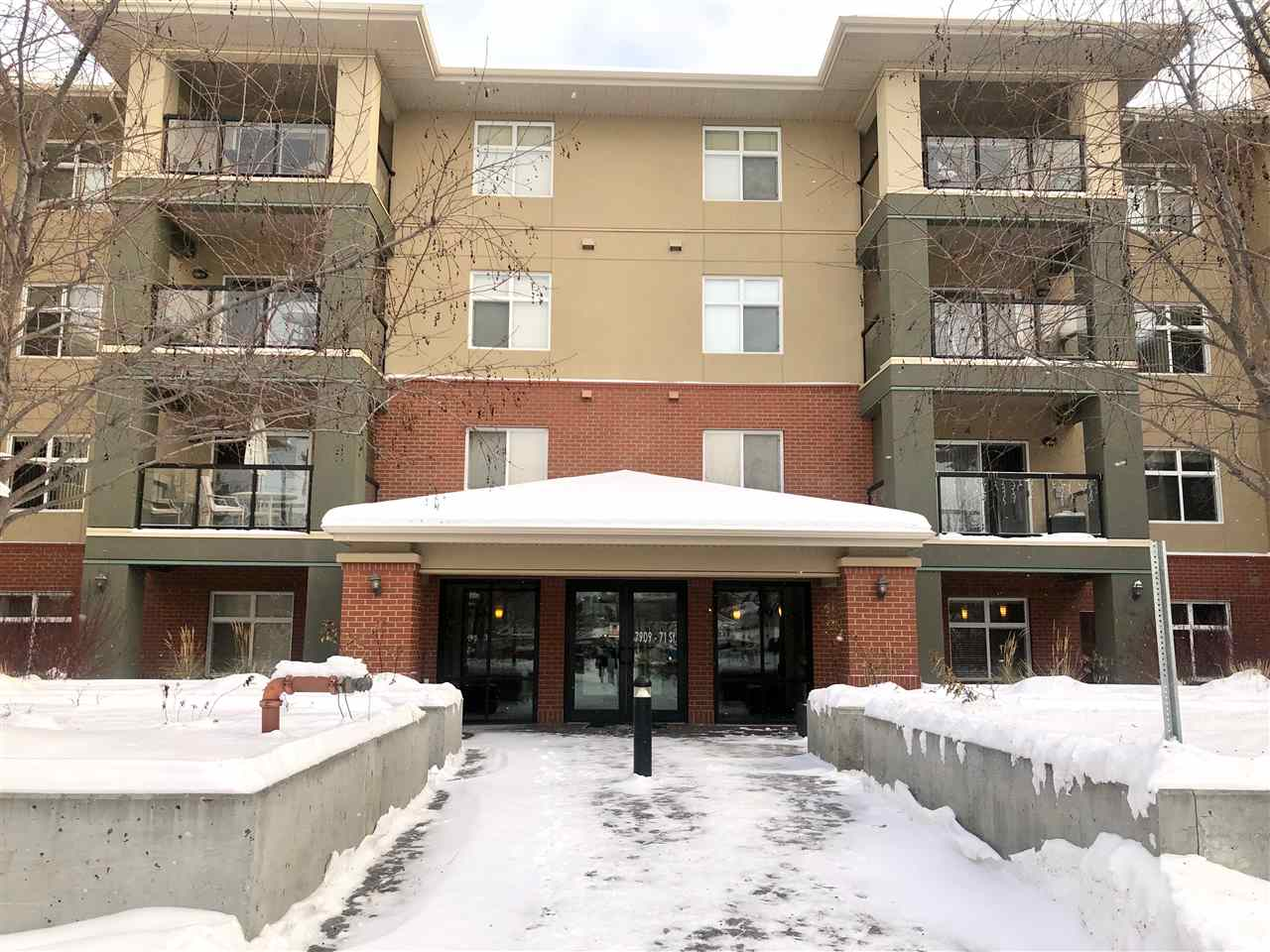 Welcome to this Cozy 1 Bedroom condo situated in the Great Convenient Location in the Community of King Edward Park! Features Open Concept Style Living Room with Patio doors to Large Balcony where you can enjoy BBQ in the Summer. Spacious Kitchen with Lots of Cabinets. Raise Island that you can sit with Bar Stools and function as Breakfast Nook adjacent to Dining area. Master Bedroom offers Large & Bright Window, Closet with Mirror Sliding Doors.  4pc Full Bathroom & In-suite Laundry room with space for Storage. One Heated Underground Titled Parking Stall. This Complex has the Best amenities with Huge Social room that equipped with Pool Table, Lounge, Kitchen & Patio, Massive Fitness Cenre, Indoor Swimming Pool, Hot Tub, Steam Room. Easy access to U of A, Downtown, Sherwood Park Freeway, Superb location just off Whyte Ave, Restaurant, Shopping Centre.....Quick Possession Available.