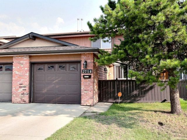 Excellent Family Home! This lovely 2 storey townhome in Kernohan with single attached garage, has lots of upgrades. Offering over 1310 sq ft of well-planned living area with hardwood and porcelain tile flooring. You are greeted with a large living room which features a fireplace and large sliding patio doors leading to a sunny, good sized, south facing backyard. The spacious kitchen features ss appliances, quality cabinetry, and lots of counter space with a peninsular island and a bright dining area. The upper level boasts a nice sized master bedroom with ensuite, 2 extra bedrooms and a modern 4-piece bathroom. The finished basement offers a large family room & lots of extra space, great for growing family. Ideally situated within a well managed Victoria Square complex, close to schools, major shopping, Yellowhead/Anthony Henday. Don't miss out on this terrific, affordable, family home!
