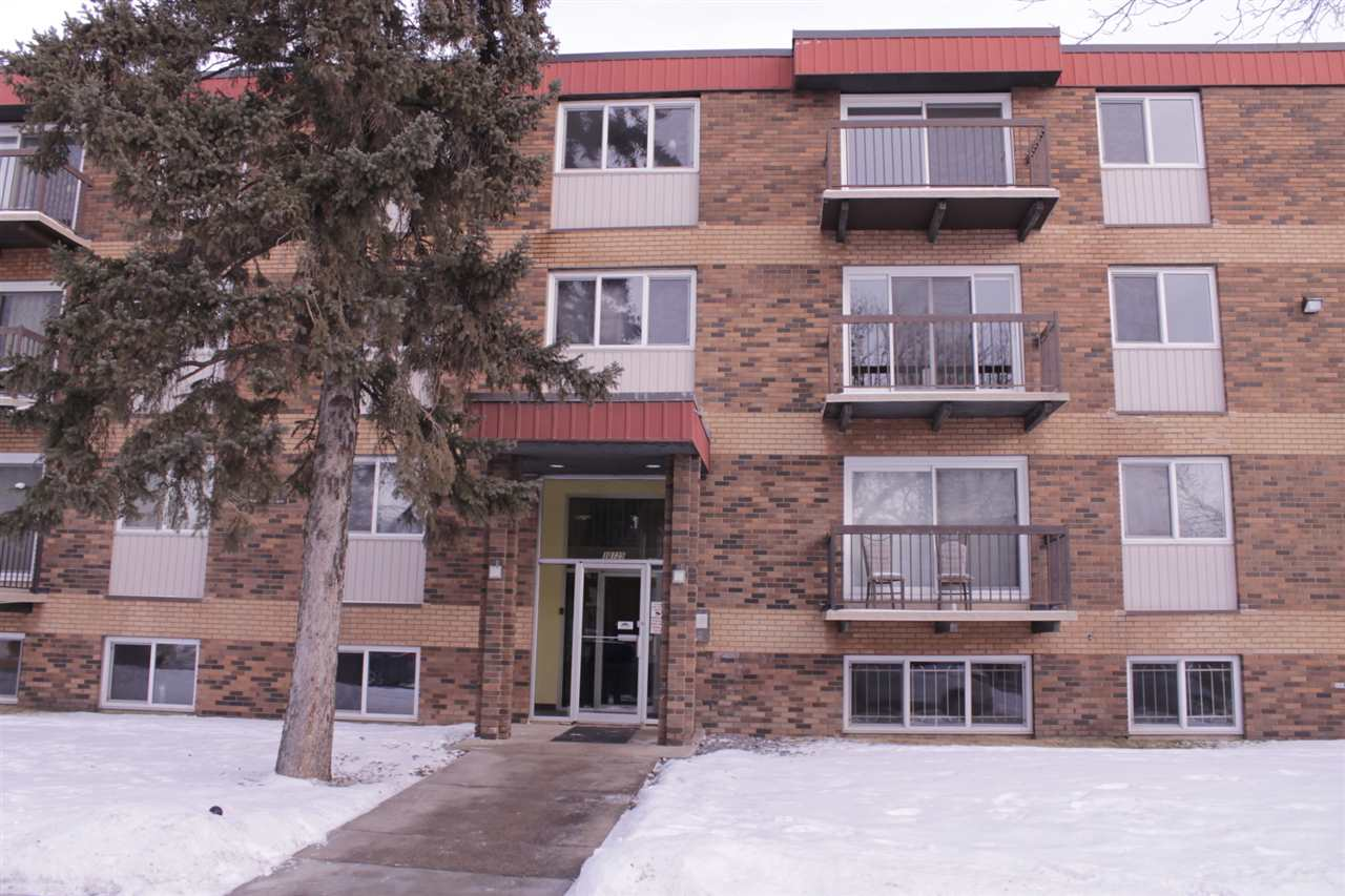 Queen Mary Park two bedroom condo is located in 3rd floor over 1000sqft. You will not find any other property that compares price and size!! Conveniently located in downtown, you are close to everything, including NAIT, Grant Macewan, Rogers Place, and Brewery District. This unit features a spacious bright living room with a private balcony, which seam nicely into your nice size kitchen that has. Your master bedroom has a separate vanity sink On top of all this; you have a large storage space.