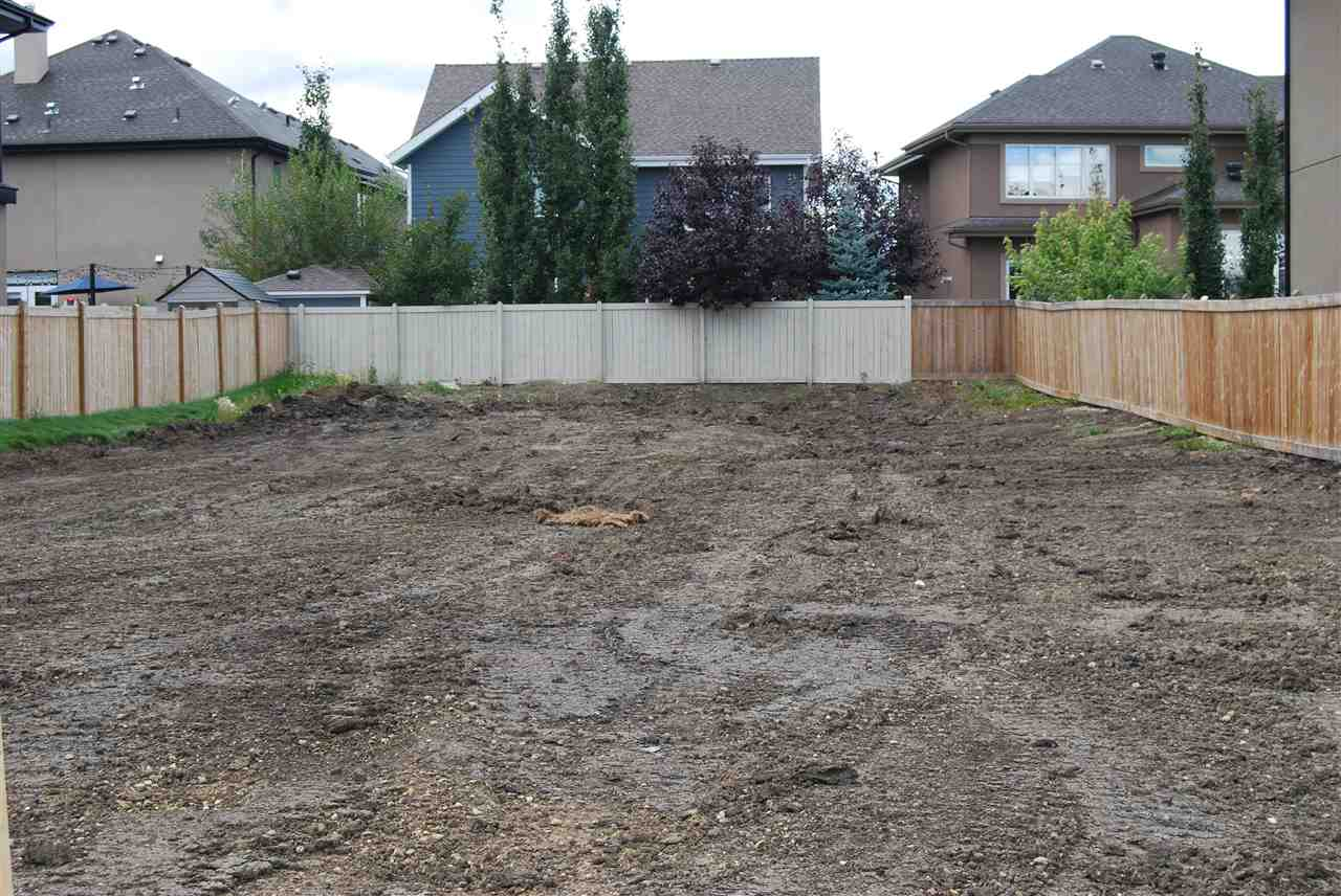 VACANT 48 feet building pocket lot in Cameron Heights. Build yourself or any builder to design and build your dream home. Very huge lot suitable for double, triple or four car garage. Surrounded by beautiful homes and easy access to all amenities.