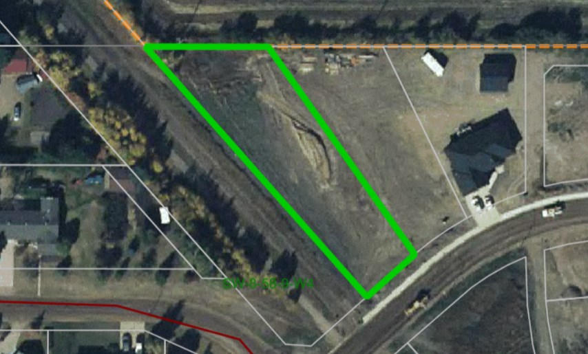 Bare Lot in Park Avenue Estates- If you're looking to build in a great new St. Paul subdivision, this is ideal for you.  With school bus service, the Iron Horse Trail and park nearby, this is perfect for any family wanting to start their new home from the ground up!