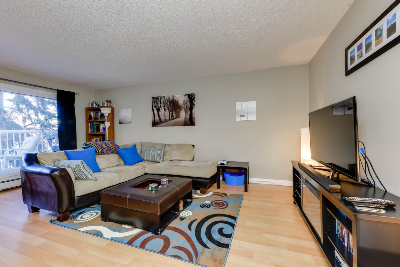 This condo is located in the well established neighbourhood of Brander Gardens in Riverbend. A short commute to the University of Alberta, Downtown core and features great access to the Whitemud and Anthony Henday corridors. This clean two bedroom end unit condo overlooks a green space and features laminate flooring, ceramic tile and carpets in the bedrooms. A new dishwasher and a new tub surround. Laundry is on the same floor. The complex is very well managed and clean; with newer patio doors, windows, and new balconies. Great for a first time home buyer or an excellent rental property.