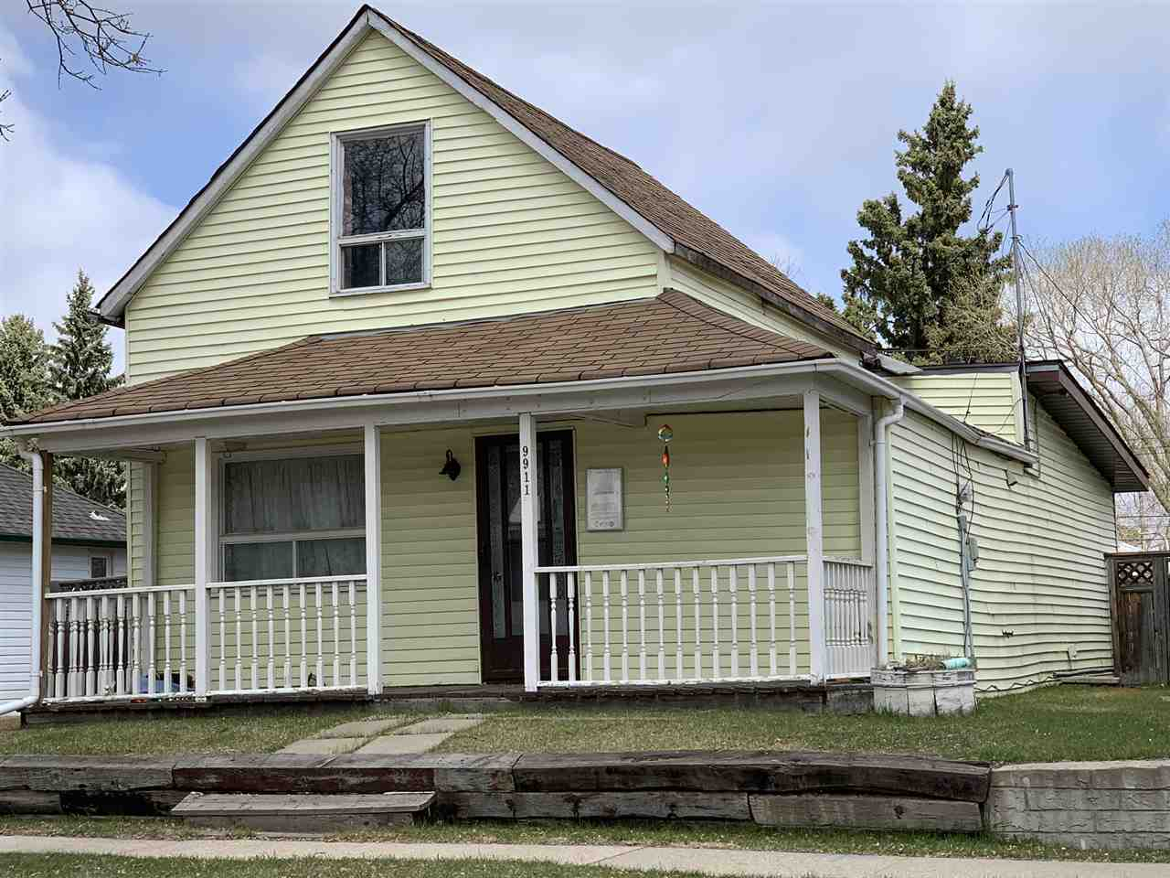 A True Classic! This 1 1/2 storey home offers 1109 Sq FT offers numerous upgrades over the years including the electrical, shingles, vinyl windows and much more. It has a double detached garage. Situated in Fort Saskatchewan, a great place to call home!