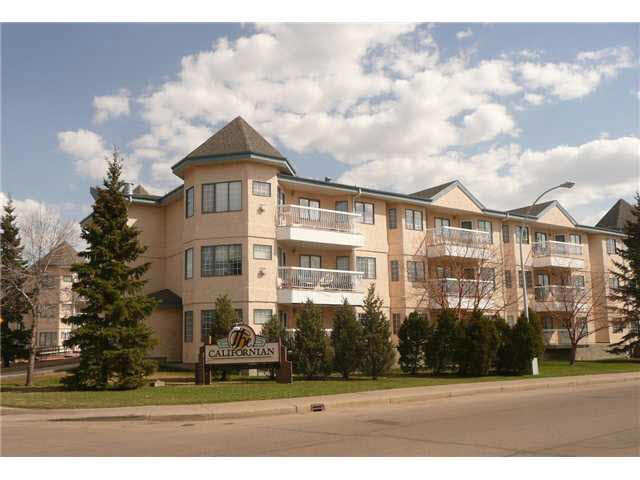 TOTALLY RENOVATED 2 BEDROOMS 2 BATHROOMS CONDO UNIT.NEW KITCHEN, CABINETS,COUNTERTOPS,BACKSPLASH,4 STAINLESS STEAL APPLIANCES ( STOVE,REFRIGERATOR,DISHWASHER,MICROWAVE BUILT IN ) NEW BATHROOMS, LAMINATE AND CERAMIC FLOORS,PAINT,CROWN MOLDINGS,2 CEILING FANS,LIGHT FIXTURES,HIGH-END WINDOW SHADES.NEW WINDOWS.BRAND NEW WASHER AND DRYER.IN-FLOOR HEATING,GAS FIREPLACE,BALCONY.CENTRAL VACUUM SYSTEM.SEPARATE TITLED UNDERGROUND PARKING WITH STORAGE ROOM.LIBRARY AND EXERCISE ROOM IN THE BUILDING.  EXCELLENT WEST END LOCATION CLOSE TO ALL AMENITIES.BUILDING 18+