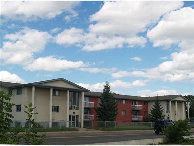 Great Investment Opportunity! This Two Bedroom second floor unit offers a spacious living room with a functional kitchen & large dining area. The location is perfect with easy access to shopping, schools & public transportation.