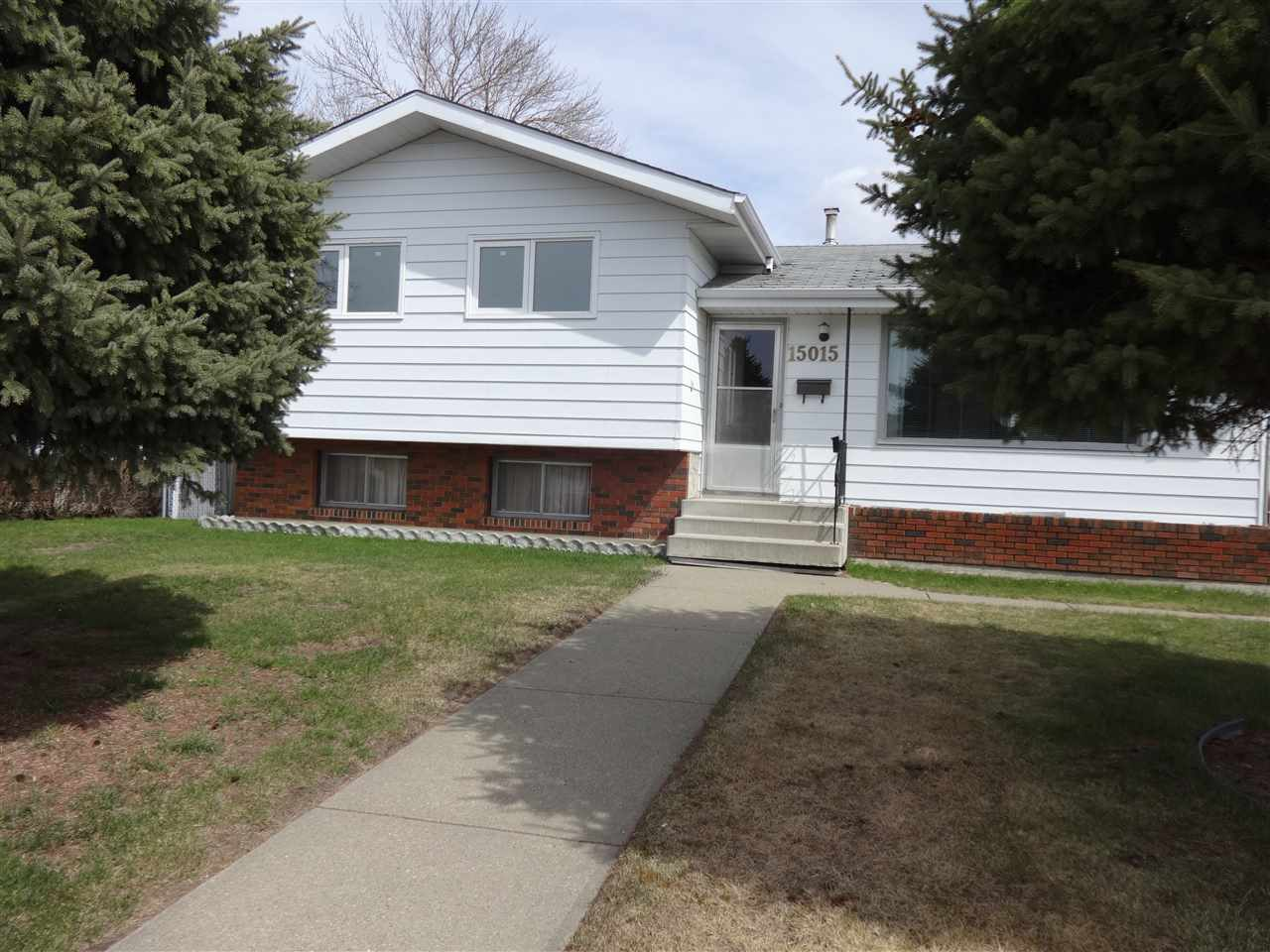 Welcome to the mature neighborhood of Evansdale! Close to shopping, parks, and transit, this house is the perfect place to call home! Situated on a huge lot, you will find this 1120sf, 4 level split has been very well maintained! Pride of ownership (original owners) is very evident! This home has two finished levels above grade, with two unfinished levels below grade awaiting your personal touches. The main floor has living room, dining room and U-shaped kitchen. Upstairs, you will find 3 good size bedrooms and 4 piece guest bathroom. The master suite is situated on the backside of the house and has an attached 2 piece ensuite. The lot is massive measuring 557 square meters. Enjoy the landscaped and fenced back yard, siting on the private patio, or maybe taking up gardening! The garage is massive measuring 24x28. There have been some upgrades over the years. All windows above grade have been upgraded to vinyl, except for the living-room window, furnace 2002, and shingles 2005. Welcome home