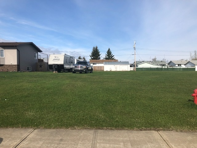 50x137' Lot on a Quiet Street in Clyde! Great Location ready to be Developed with Newer Homes Build in the Area! Paved Street and also has alley along the back of the property! Short Drive to Westlock!