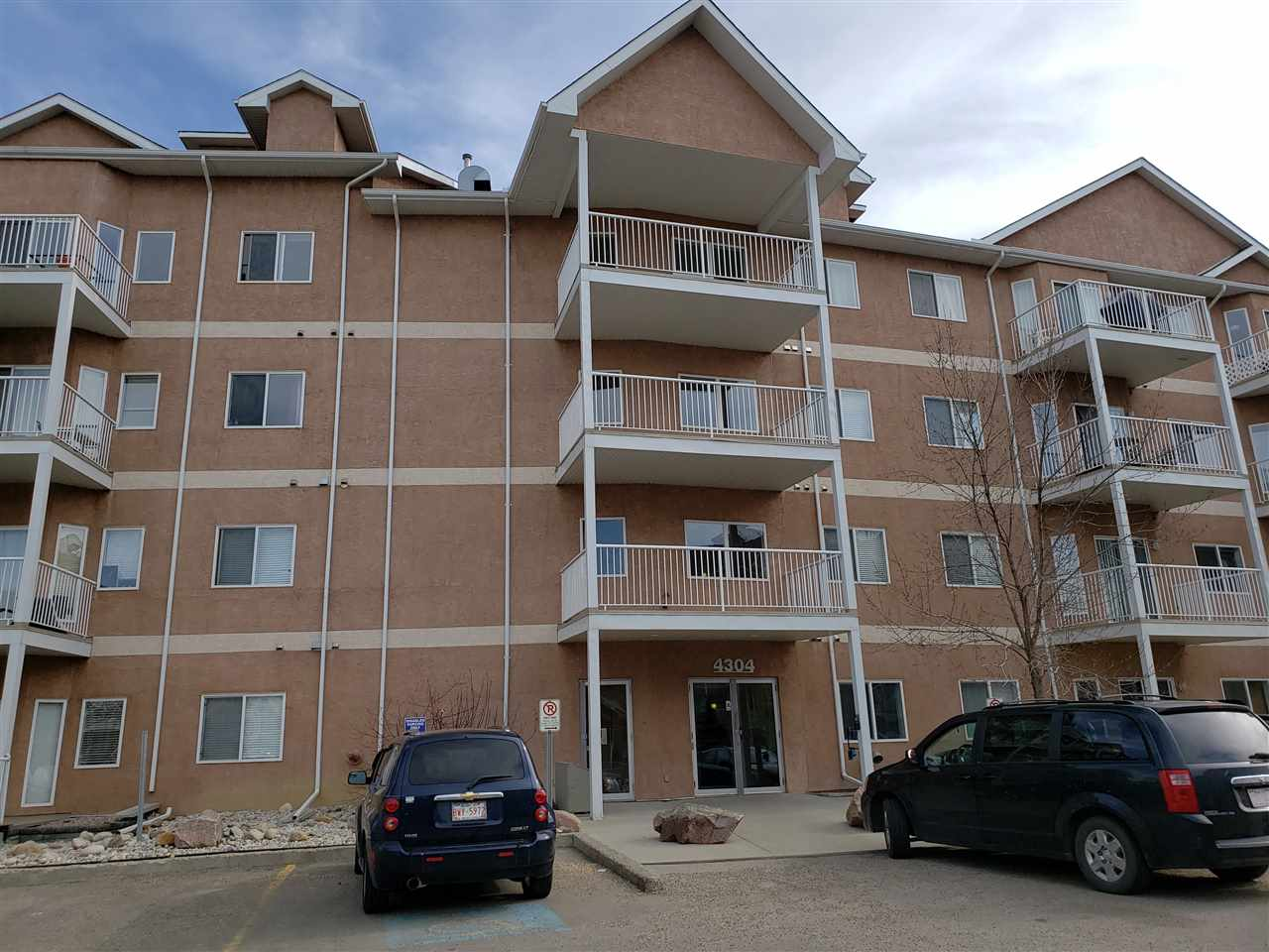 Large open concept one bedroom condo in Clareview, underground heated parking, close to all amenities and the LRT station. Foreclosure, schedule A must be part of all offers.
