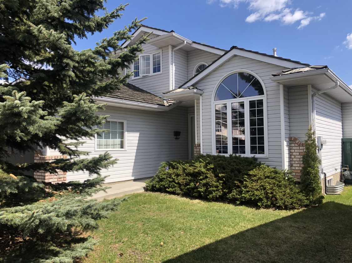 Pride of ownership is evident in this pristine 2116 square foot 2 storey. Quiet cul-de-sac location with pie shaped lot and an abundance of stunning mature trees in the yard.  New deck and flooring through-out the main floor and second floor bathrooms too! Newer furnace , hot water tank, garage door and sump. Almost all windows have been replaced!    This beauty has 3 bedrooms up plus a 4th bedroom or office on the main floor.  Great sized master bedroom with ensuite including a jetted tub!  Walking distance to all amenities: coffee shop, restaurant, grocery store, gym, daycare, school and more!  It's truly the perfect location.   Don't delay, see it today!