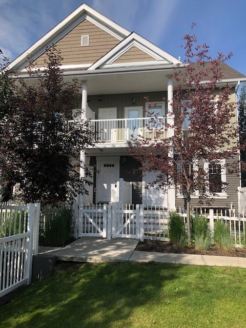 This ideal townhouse is located in SUMMERSIDE community. This home comes with many modern features including flooring, paint and stainless steel appliances. There is a spacious living room, dining area and a gourmet kitchen with island bar. This townhome comes with 2 spacious bedrooms, full bathroom and in-suite laundry. Enjoy the summers on a dedicated patio and the convenience of an attached single garage. This property is close to all amenities including shopping, restaurants, schools, parks and public transportation. Enjoy the luxury of BEACH access in the Summerside community!