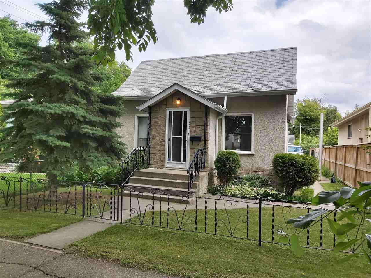 Great investment property just a few steps away from downtown, Kingsway mall, Delton park, community center and a simple walk to NAIT. All the main sewer lines have been changed in the neighborhood. New roads and sidewalks are in the process of being re done. Quiet neighborhood with in walking distance to vibrant market places and recreation areas.