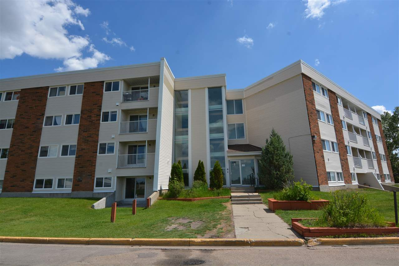 FABULOUS PRICE AND CLEAN CLEAN CLEAN 2 Bedroom 2 Bath Condo. This top floor unit is located in the sought after Sweet Grass Neighborhood.