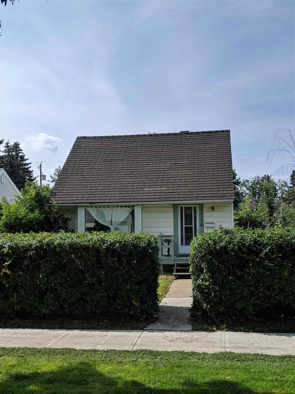 This 925 sqft semi bungalow has fresh paint and laminate floors throughout.  The 4 piece bathroom is newer as well, which helps make this a perfect starter home, or investment property.  The lot is zoned RF3 and is 571m2 or 41ft x 150ft.  One block from an elementary school with a large playground and sports field, and easy access to transportation. Was rented for $1350 per month this year, which is an amazing cap rate.