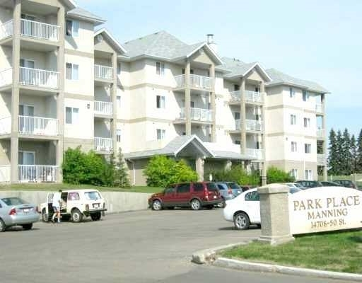 This one bedroom on the first floor unit is located in a quiet well maintained building. Has a open floor plan with patio doors going out to a patio surrounded by greenspace. There is an insuite laundry with stackable washer & dryer that are included along with all the appliances. Close to schools, shopping, public transportation.