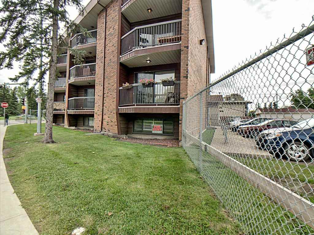 A bright, fully renovated unit in a well maintained building with recent work done in the common areas, this is a�great opportunity to own an affordable, spacious, 1 bedroom condo in Edmonton's downtown core.�This second floor unit has a balcony with an over sized patio door to let in lots of natural light. The�kitchen is updated with stainless steel appliances and the�paint and flooring have recently been replaced, making this unit move-in ready! With buses and LRT just 2 blocks down, the convenience of downtown is just minutes away. That said, a 5 minute walk will bring you to the heart of the Stadium shopping district where you will find a major grocer, pharmacy, salon, and medical clinic. As well, the River Valley trail system can be accessed immediately across the street which allows for a leisurely walk in the evening and plenty of opportunity for hiking and biking.