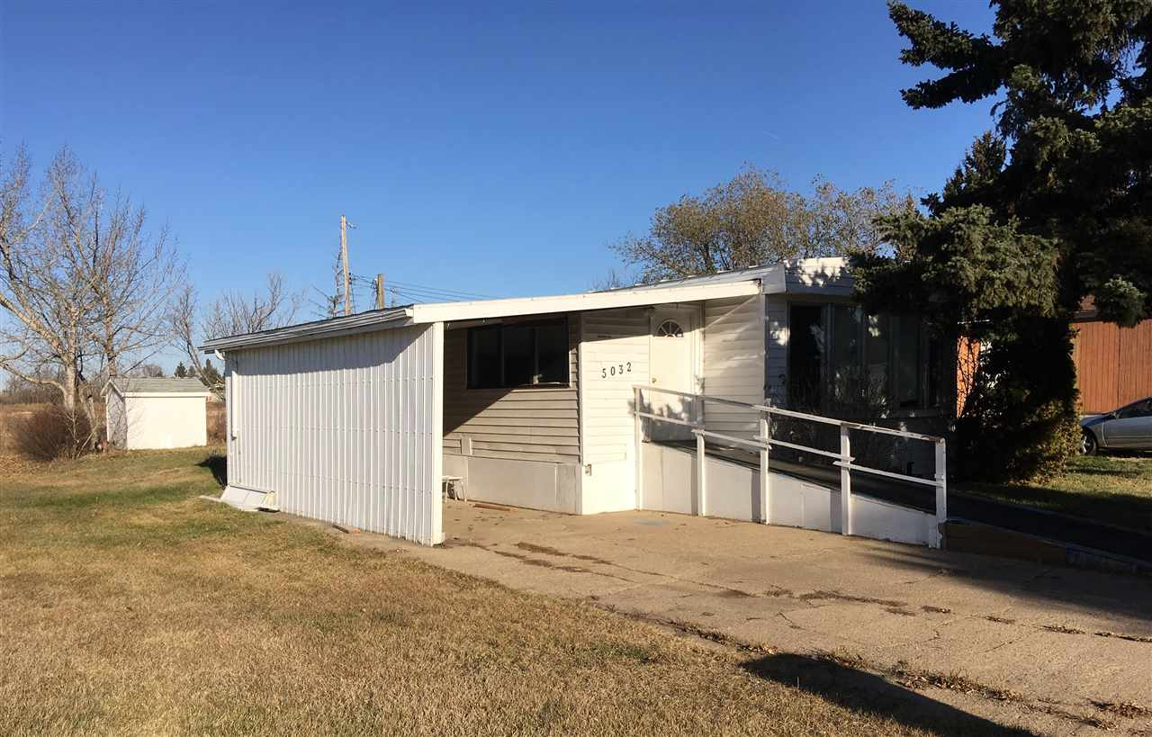 Affordable, 3 bedroom mobile home on owned lot in Viking. Some upgrades include windows, kitchen, and flooring. Close to school and hospital, this would make an affordable retirement, starter, or investment home.