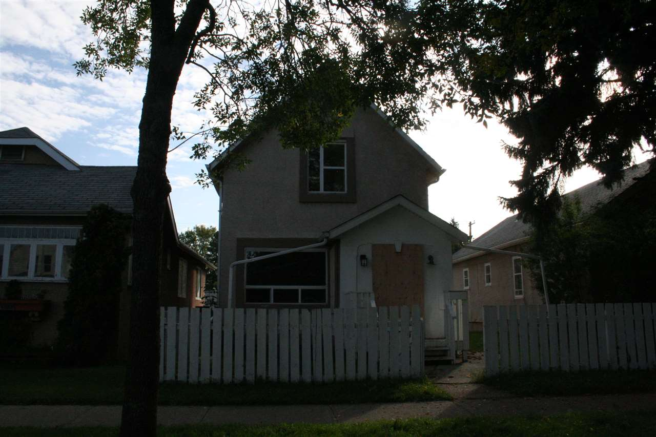 Investment property in re-development area with close proximity to downtown core.