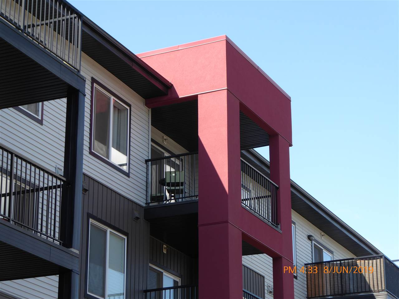 **2-Bedroom with 2 Parking Stalls!** Just $167,900 for this fine Top-Floor Condo Unit.**Located in the desired community of Windermere in SouthWest Edmonton,this TOP FLOOR 2-Bedroom Carrington Elements Carbon floor plan with low condo fees is PERFECT FOR INVESTORS OR FIRST TIME BUYERS! The unit has a bright open concept living room and kitchen with dark laminate flooring and a large **Covered Balcony**. The unit also boasts **2 TITLED PARKING STALLS**, a large 4-piece bathroom and in-suite stacked washer and dryer. Walking distance to shopping, restaurants, fitness activities and two Elementary Schools. Plus quick and easy access to the Anthony Henday Freeway and the Edmonton International Airport. And Quick Possession is Available!