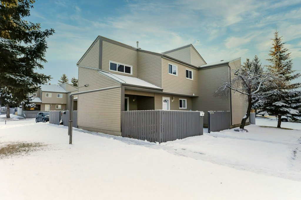 Welcome to the Meyonohk Meadows townhome community! Featuring 1,178 square feet of living space, this well situated 3 bedroom, 1.5 bathroom townhome is perfect for first time home owners and investors alike. This cozy outside corner unit allows for more privacy than some other units in the complex. Being located minutes away from the Anthony Henday and Whitemud allows for easy access getting around throughout Edmonton. Situated right on a bus route allows for easy public transportation. With the new Millwoods LRT line set to be finished in 2020, this allows for easy and reliable transportation throughout Edmonton as well as Universities. This well priced home won't last long!