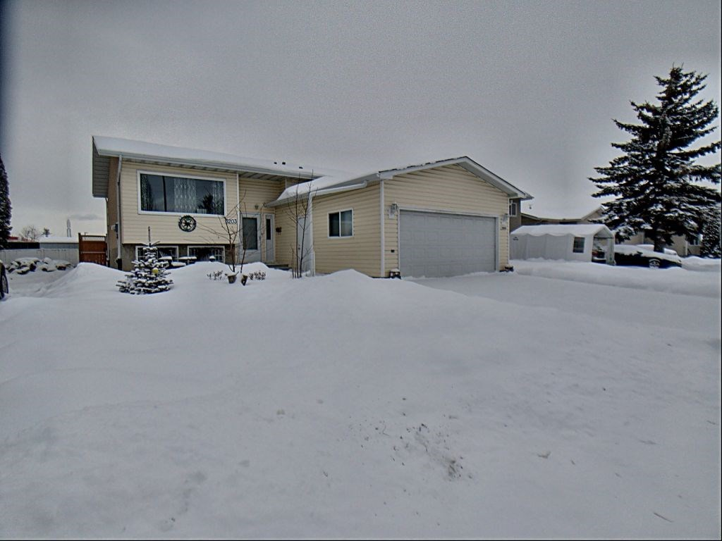 Immaculate family home located in a family friendly neighbourhood with close proximity to Anthony Henday. Lots of space with 3 bedrooms, a master ensuite and bright kitchen with eat up bar - great for entertaining. Nice size backyard with newer fence and deck. Well cared for home and shows pride of ownership.