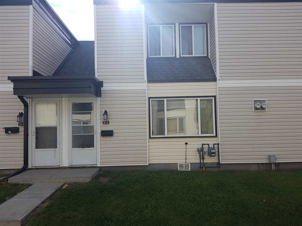 Calling all First time home buyers or Investors. This 3 bedroom, 1 and half baths, two story condo town-home with full basement has plenty of space for a family and in close proximity to many school options. Looking to invest but don't have time to manage the property. This complex has an onsite property management office to handle your rental needs. Park Haven Town-homes is located in the mature residential community of Rundle Heights with easy access to the Yellow Head and Anthony Henday highways. Only a 10 minute walk to beautiful Rundle Park; amenities include tennis courts, baseball diamonds, skating trails and tobogganing not to mention walking trails and green space. Take a short drive to the ACT Aquatic and Recreation Centre for a swim.