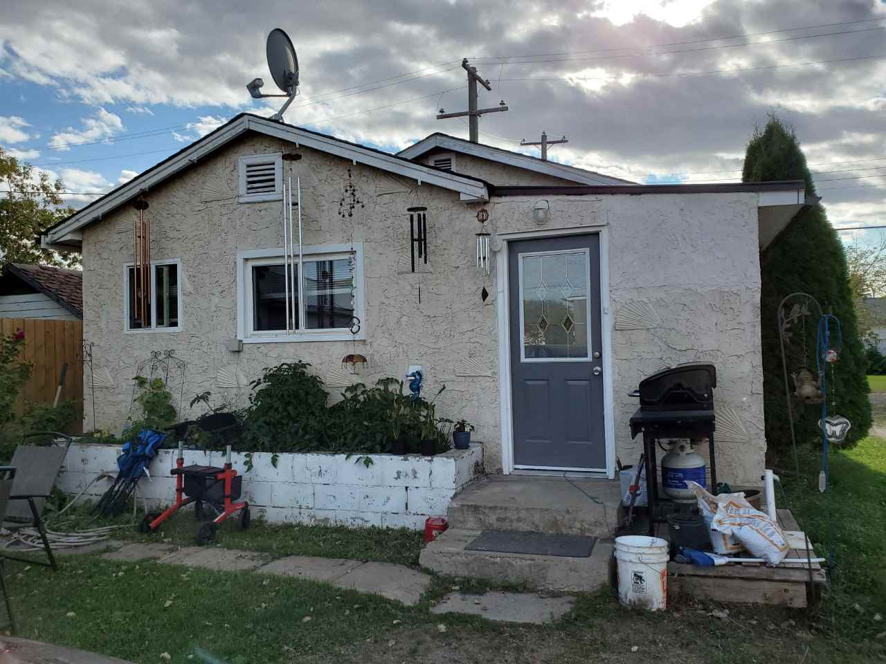 Cute upgraded home. Attention first time buyers, cheaper than rent and close to Redwater, Fort Sask. Updated kitchen cupboards, counter tops, appliances, flooring and windows. Move in and put your feet up. Has a 3 room shop with wood heat in the workshop area for your hobbies. The rest of the shop could easily be converted to a garage.