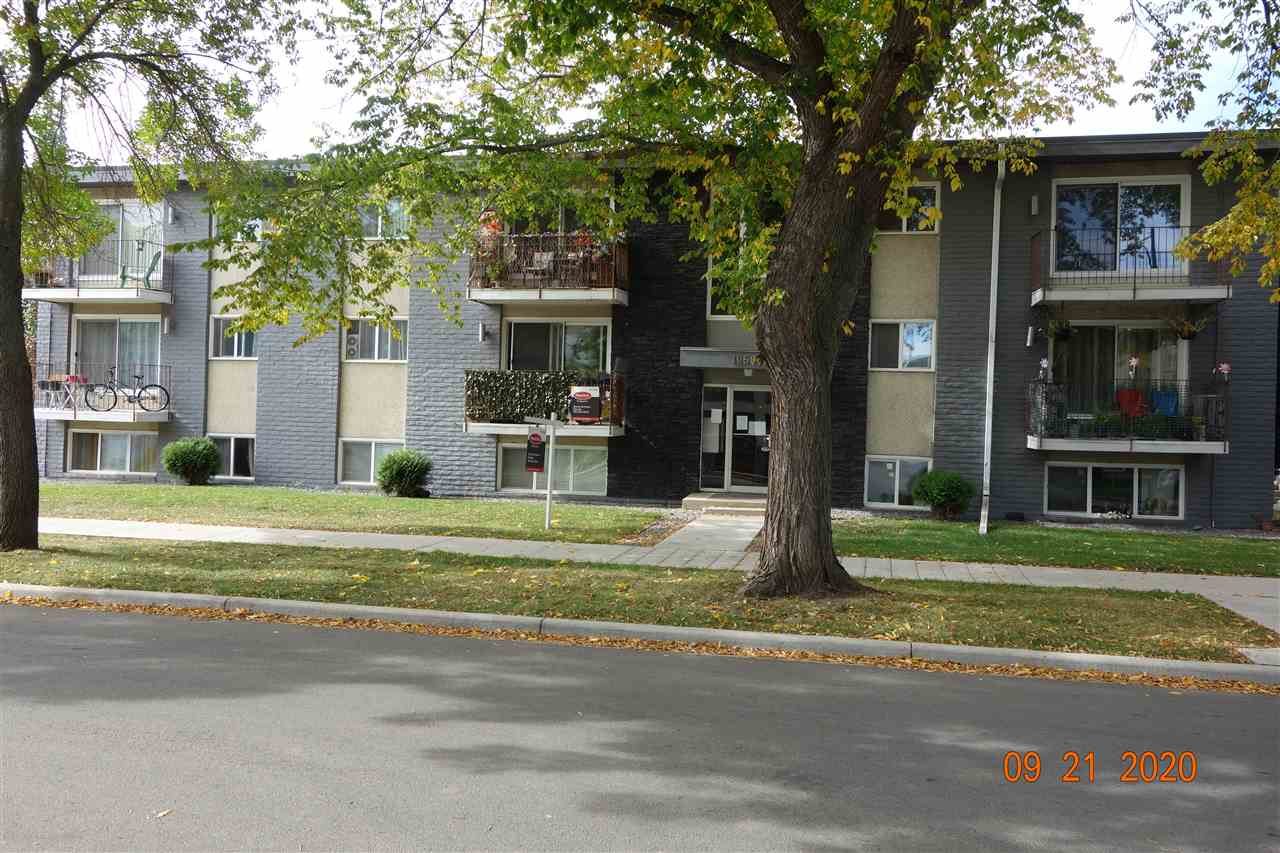 QUICK POSSESSION, Seller just finished some major renovations, Kitchen and Bathroom. Nice eating area next to kitchen , Some areas new paint, Newer Appliances , In this 2 bedroom Apartment located on the 2nd floor. Large bright  living room with patio doors leading to deck, In suite storage.