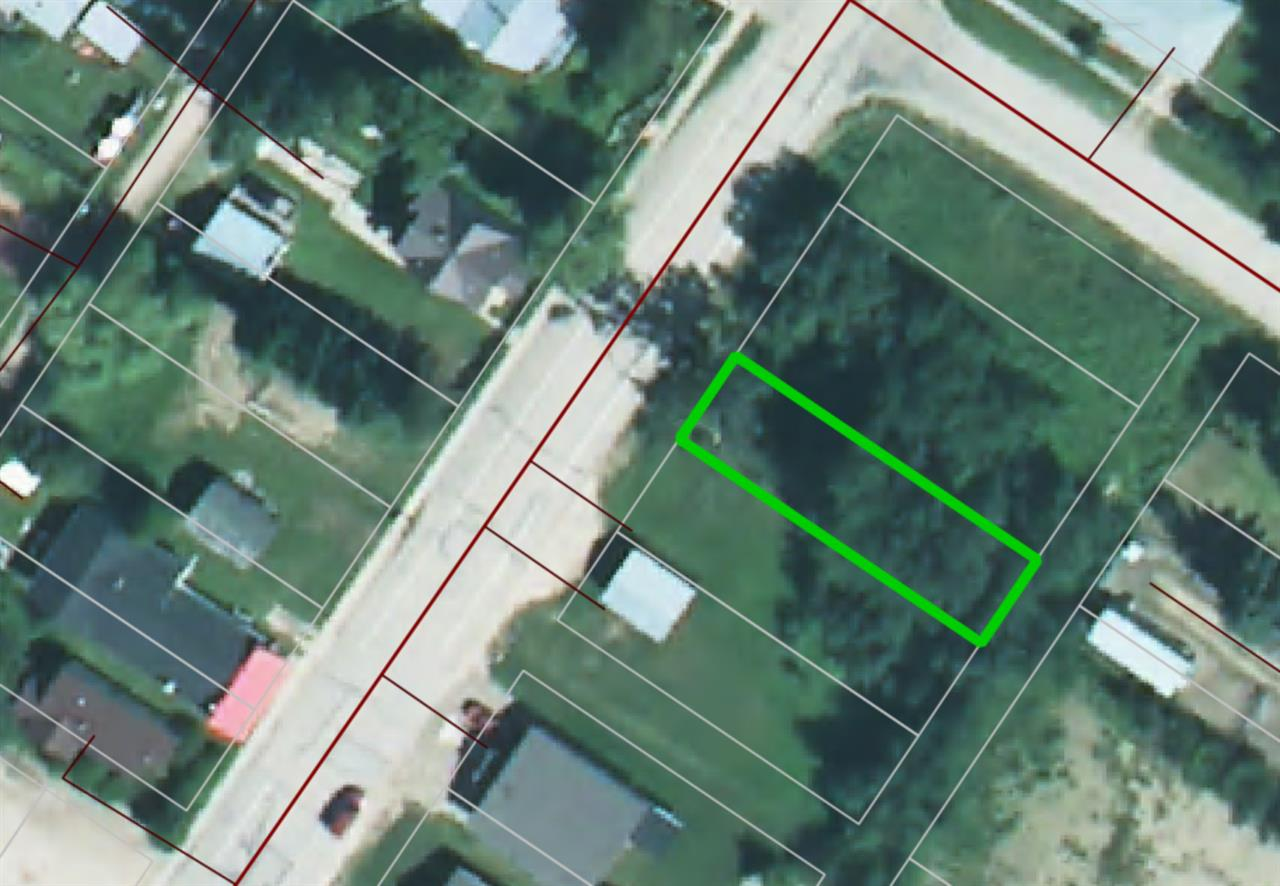 Check out this vacant lot in Winfield!  Small Town life is waiting for you!