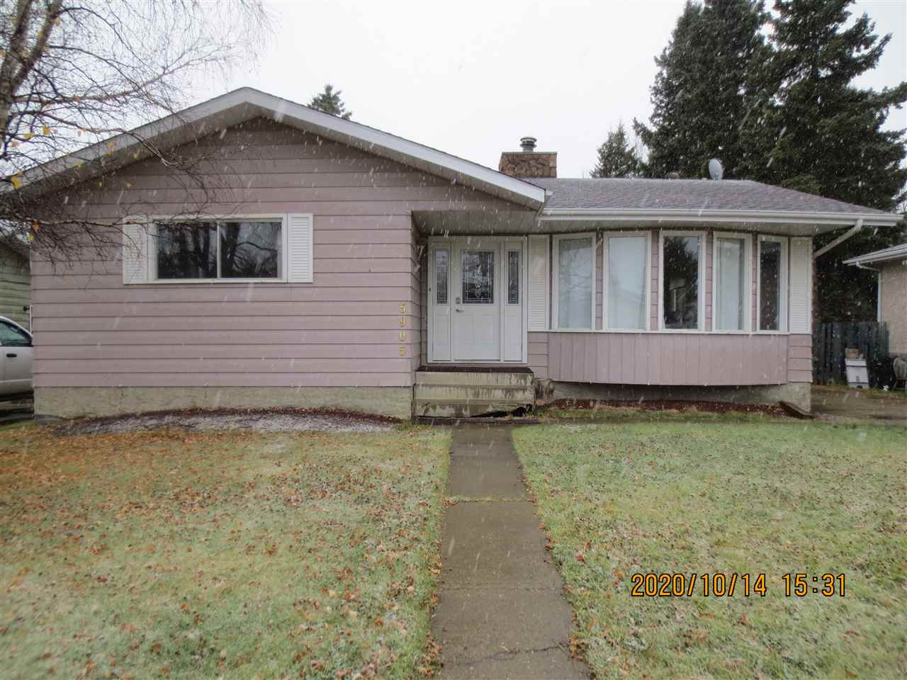 Listed below value for quick sale! Family Home in a quiet Cul De Sac with a Spacious 1400+ sq/ft. home on large 60 x 140 lot in the Westhaven area. Three bedrooms up and two down, three bathrooms, large kitchen with plenty of cupboards and counter tops, two curved staircases lead to the basement add to the versatility and style of this home. Many upgrades include a newer kitchen, lighting, front porch window, patio door, front and back doors, doors, chimney liner in wood fireplace, furnace, main floor bathrooms, and many of the appliances. Large fenced back yard backs onto bush and the Town walking trail, yard has a variety of trees and shrubs with a shed, long cement driveway with RV Parking and room to build a garage.