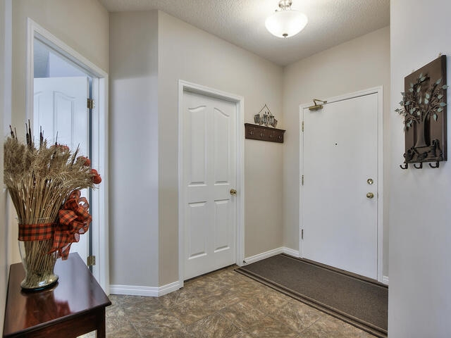 Your double tandem garage offers a space in front that you can use for a guest.