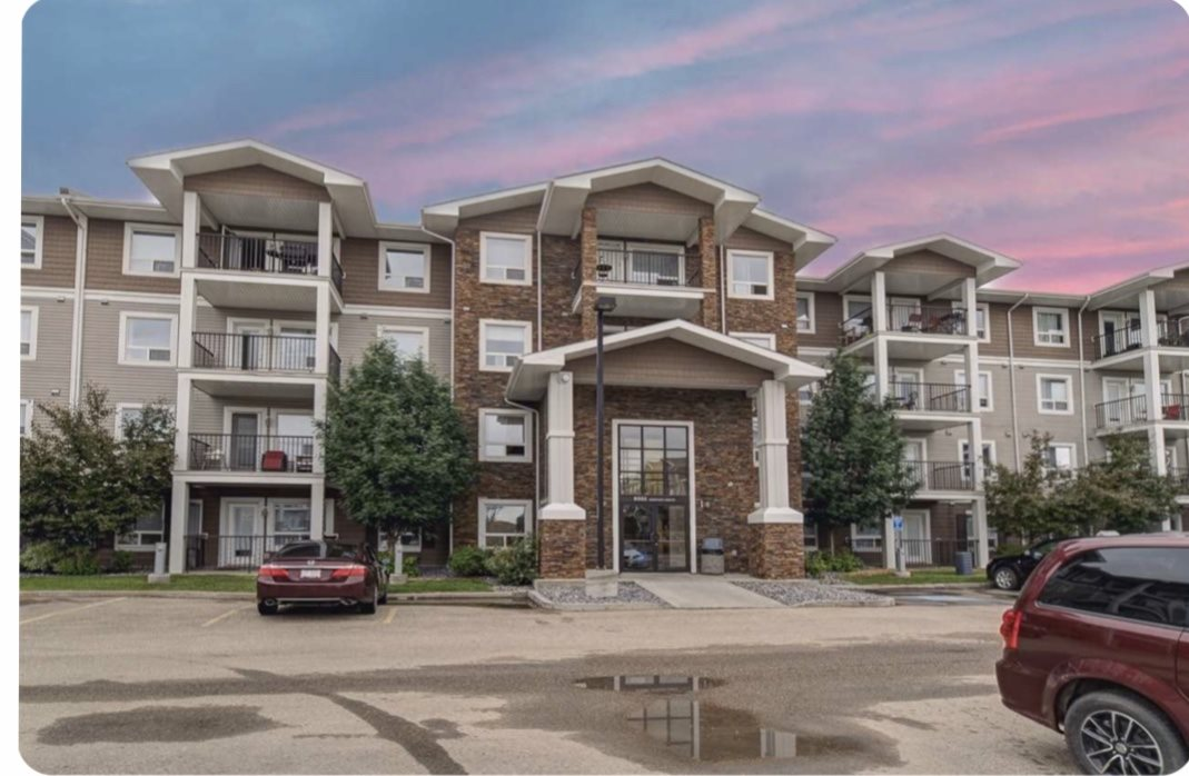 This Immaculate Condo offers 2 Titled Parking Stalls minutes from the Henday in South Terwillegar and minutes from shopping and restaurants. Spacious kitchen has warm Maple Cabinets, black appliances and upgraded laminate floors. The open concept living room creates a nice separation of space between the 2 nice sized Bedrooms, with the Main having a walkthrough closet and 4 pc ensuite.   This property is currently leased until May 2021, so it makes for a great turnkey investment that would be cash positive (~$300/month). Or move in ready and pay less than rent and start building equity. Condo fee covers heat and water, so all you pay is electricity. Seller is willing to cover 6 months of Condo Fees if deal happens before Feb 15th. So don't delay, check this property out now!