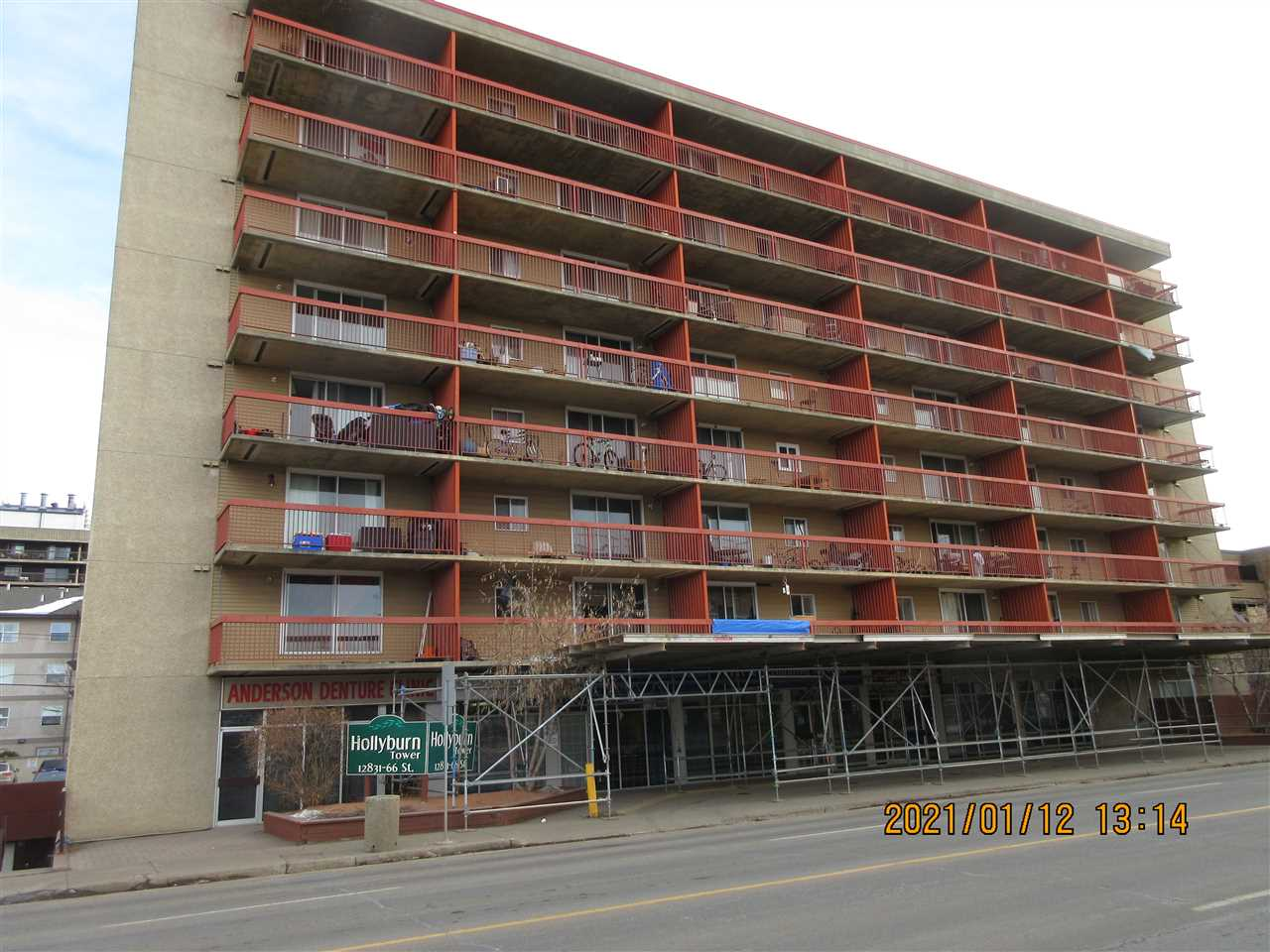 1 Bedroom unit in a secure concrete building in the heart of the North East. Located close to shopping, LRT, transit system and minutes from the Yellowhead.  Features large balcony facing west. Owners have option to lease either an heated underground or surface stall.